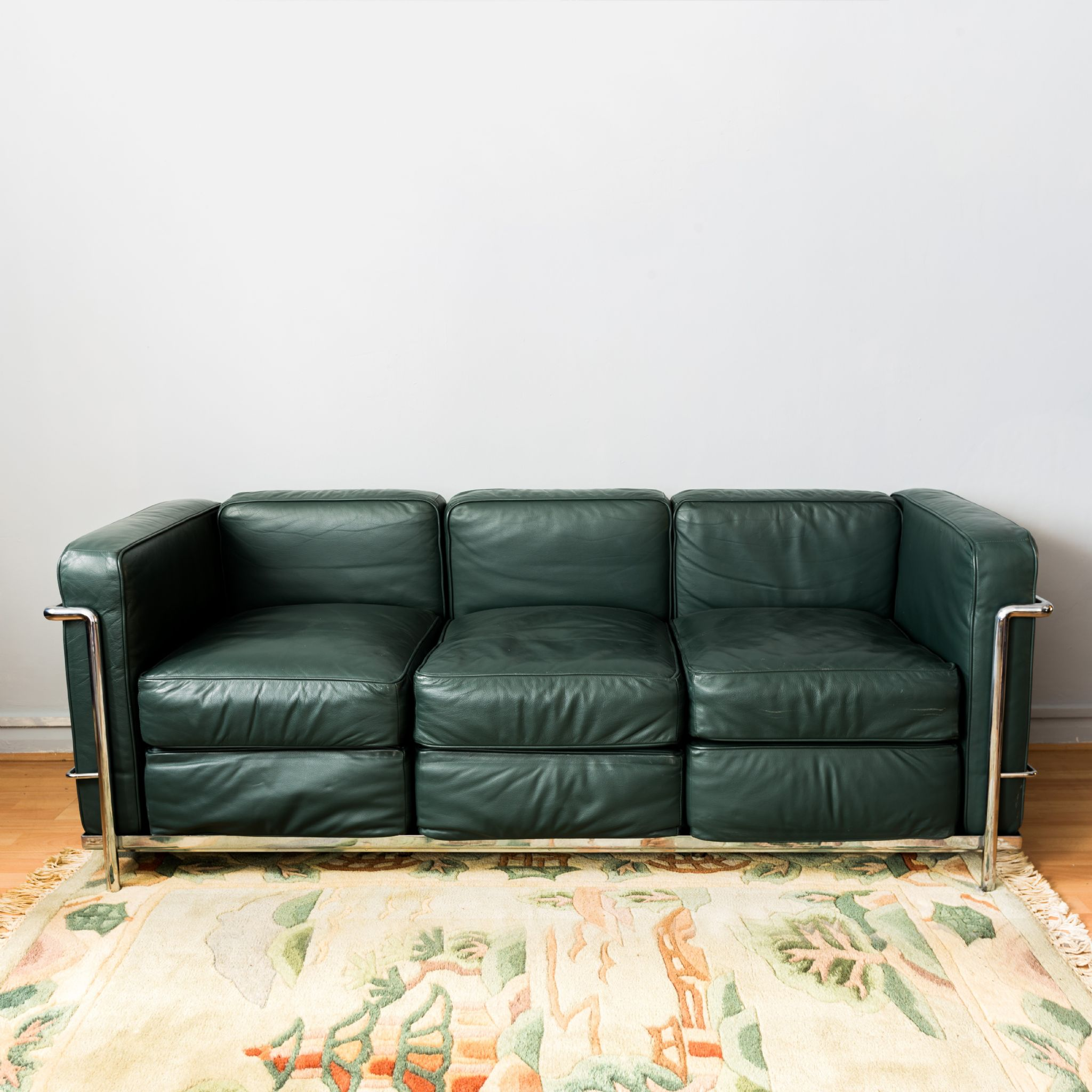 Le Corbusier Lc2 Green Leather Sofa
